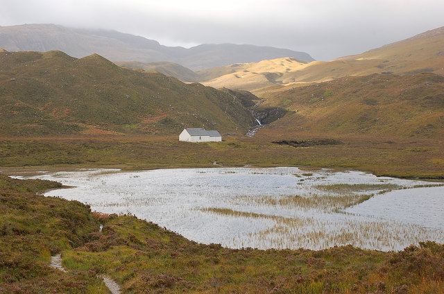 The Ling Hut and Lochan an Iasgair