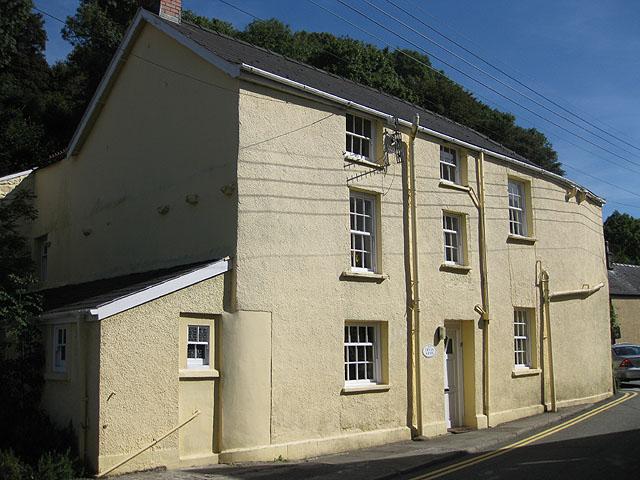 Former pub, Lower Town