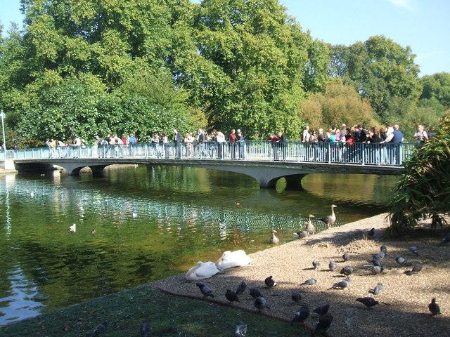 Bridge over the lake , St James's Park