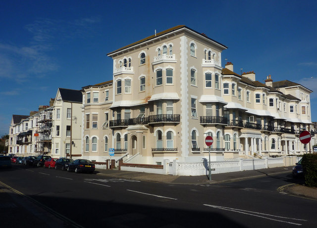 Sussex Court and Lyndhurst Court, Bognor Regis