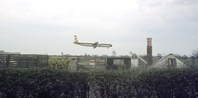 Aircraft landing over allotments