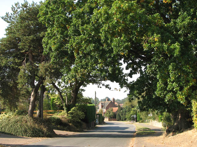 Church Road approaching Beccles Road / The Street