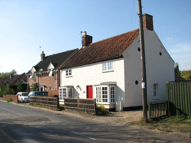 Cottages in Beccles Road