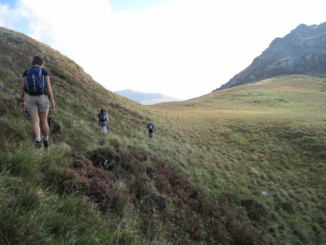 The col between Clogwyn y Barcut and Garn