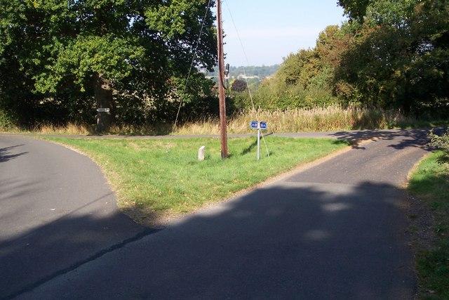 Road junction on Lidwells Lane