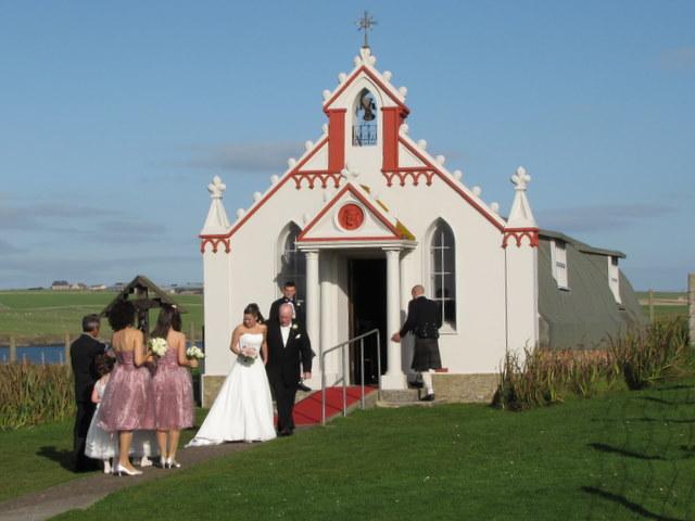 Wedding at the Italian Chapel.