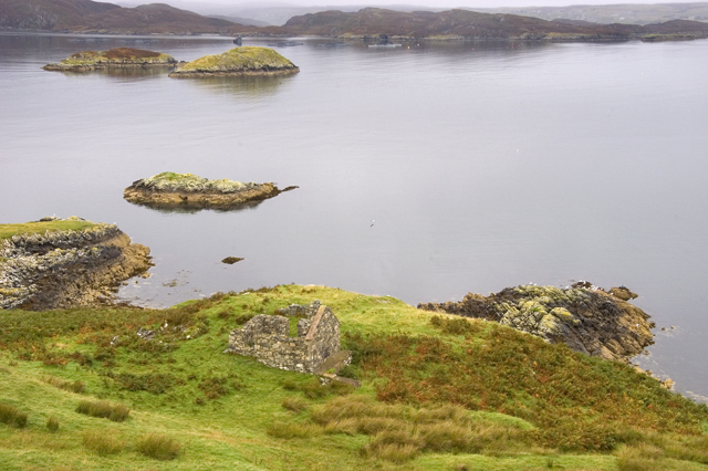 Ruin and headland above Loch Cromor