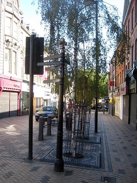 Signpost in Cross Street