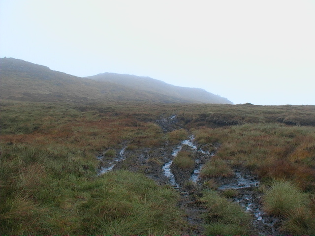 Eastern end of Meall a' Phuill from end of endless track