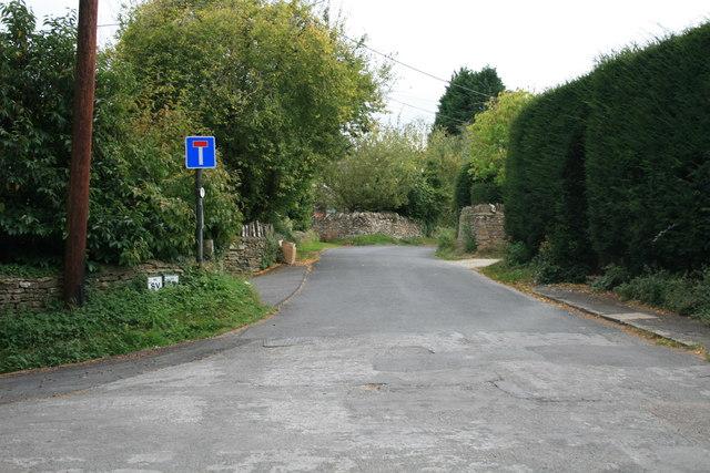 No through road in Shipton Under Wychwood