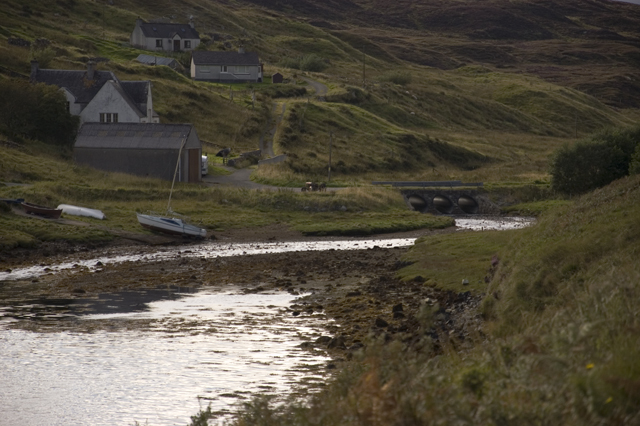 End of the Loch, Grabhair