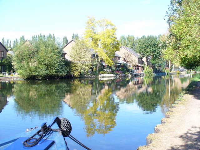 Canalbank, Kings Langley