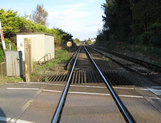 Toddington: Railway line towards Angmering