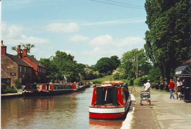 The Grand Union Canal at Stoke Bruerne