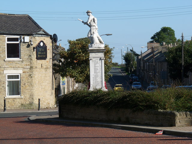 The Monument, Tow Law