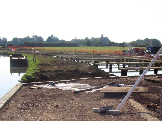 The pontoons under construction, the marina, Grove Lock