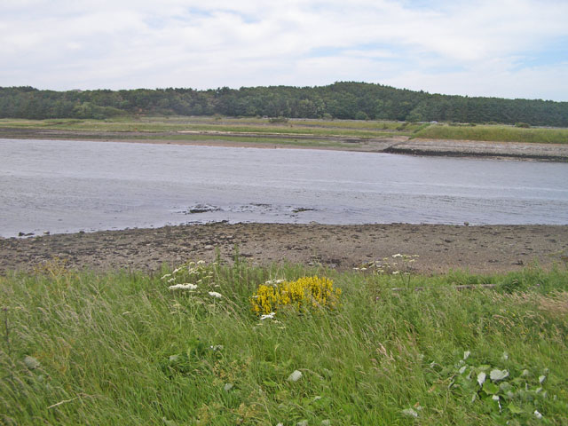 Looking across the River Ythan from a point near the highway bridge