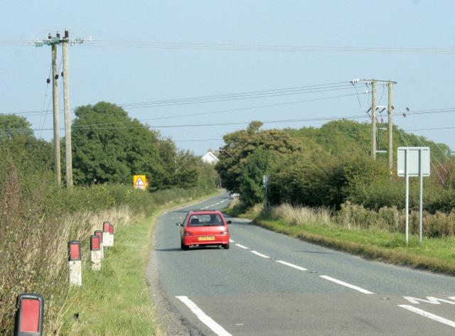 2009 : B4465 near Wapley heading west