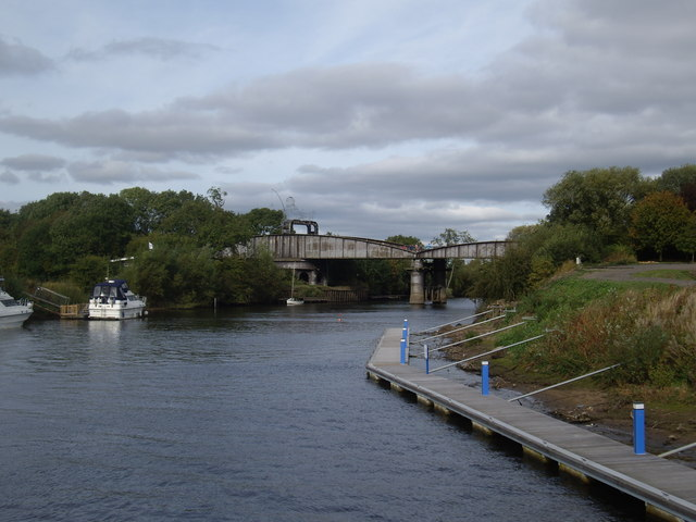 Approach to Naburn Bridge