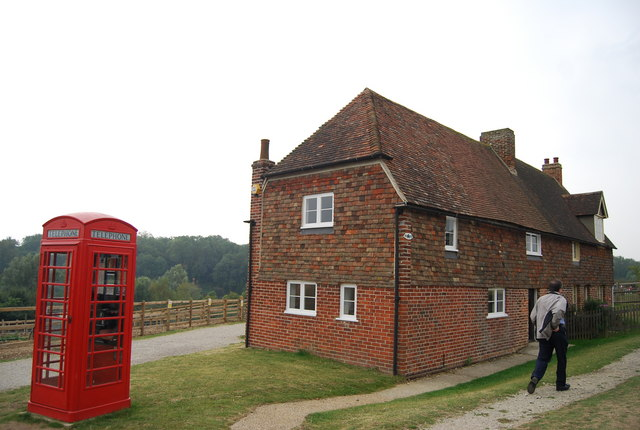 Museum of Kent Life - cottage & telephone box