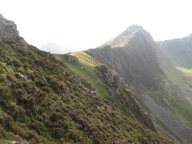 The ridge between Y Garn and Mynydd Drws-y-coed