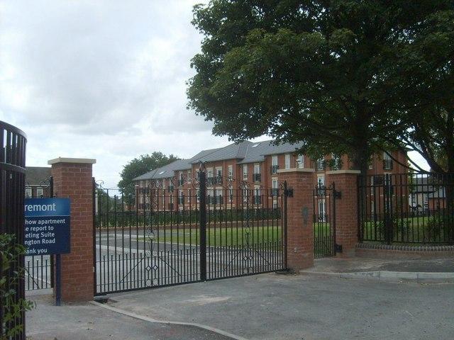 School Flats Gate