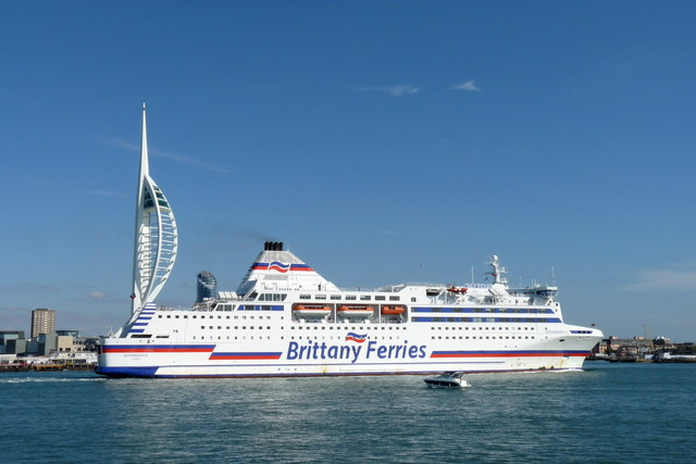 Normandie Leaving Portsmouth Harbour (1)