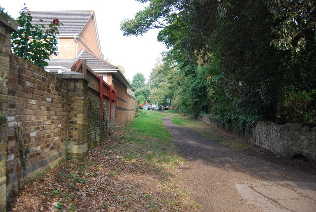 Footpath to The Mallows