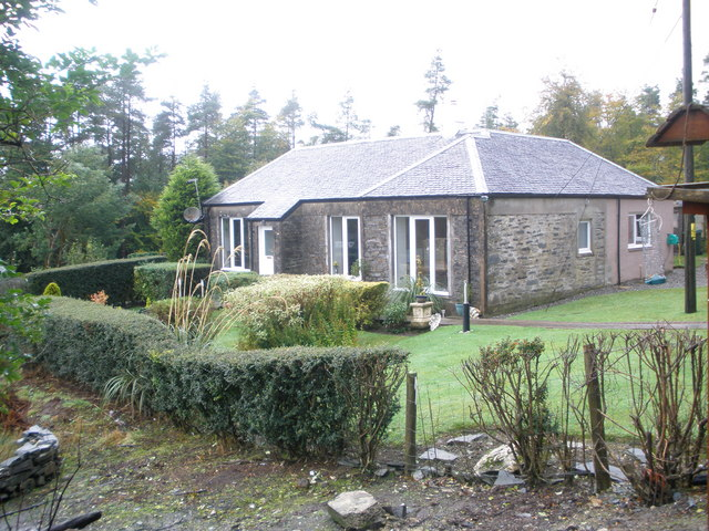 Linne Mhor cottage, Glen Fyne, Toward