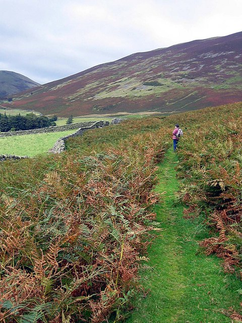 Footpath approaching Hope Beck
