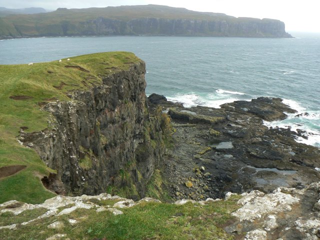 Cliffs at the south of Oronsay