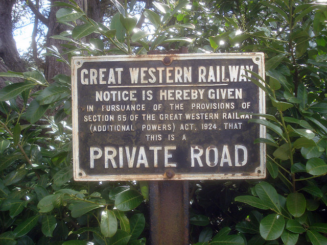 GWR sign at the entrance to Fencote Station