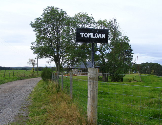 The Track to Tomloan