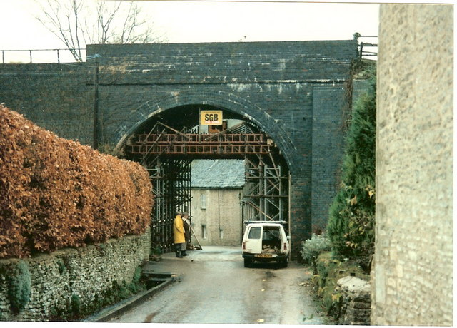 Railway bridge, Queen Street, Chedworth from the Seven Tuns  side just  prior to demolition