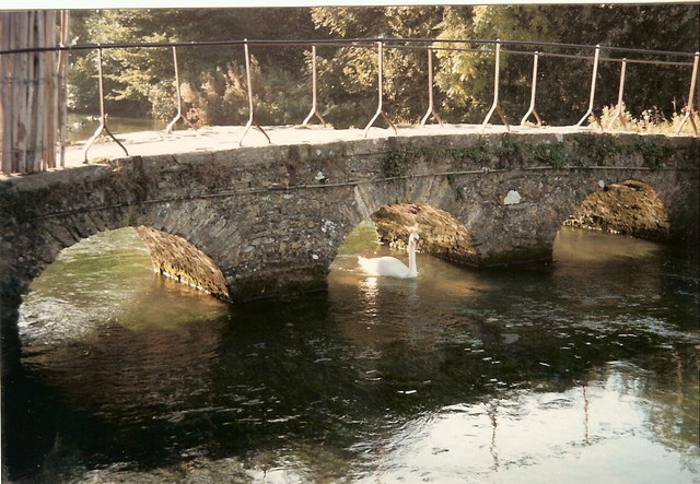 Footbridge at the bottom of Arlington row Bibury