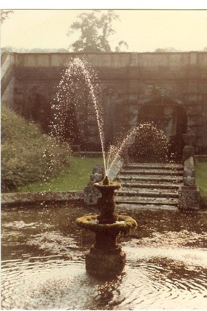 Fountain Cowley manor