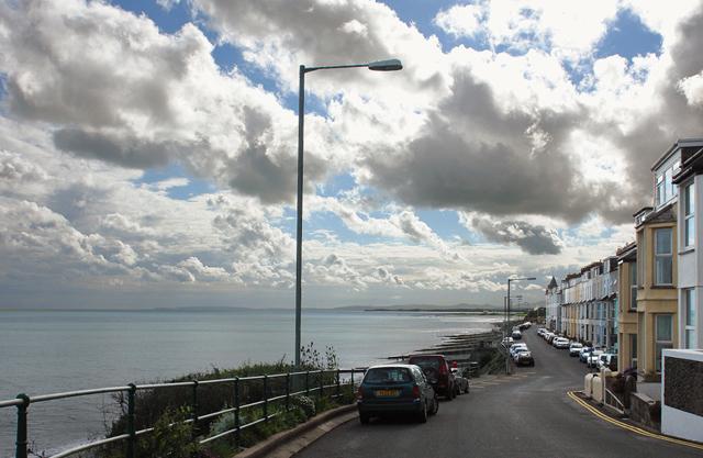 Marine Crescent, Criccieth