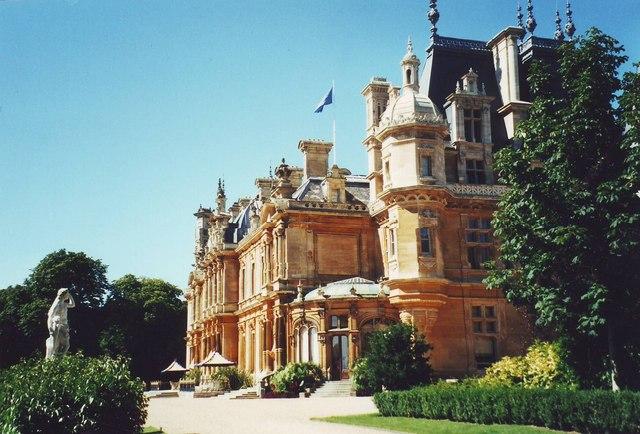 Waddesden Manor on a ferociously hot  day