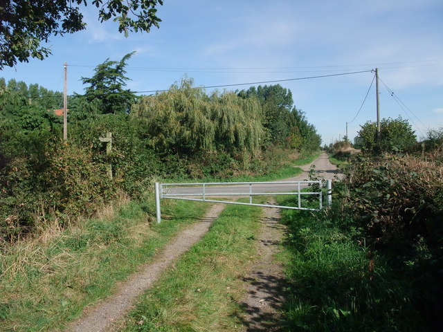 Trent Valley Way crossing Church Lane
