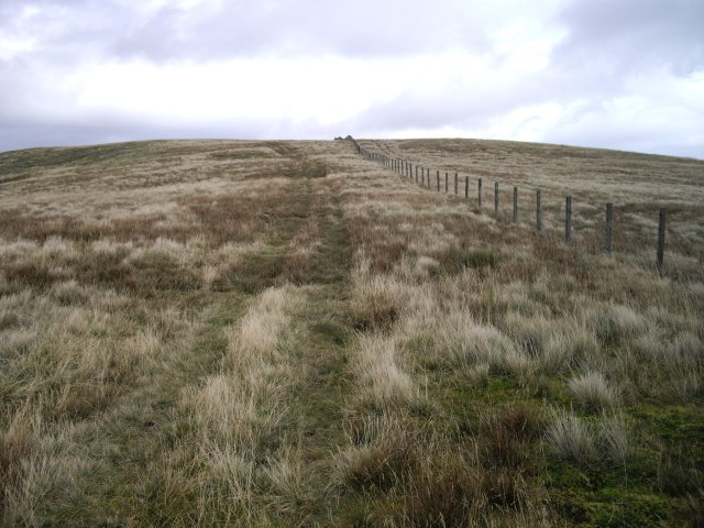 Approach the summit of Ballencleuch Law