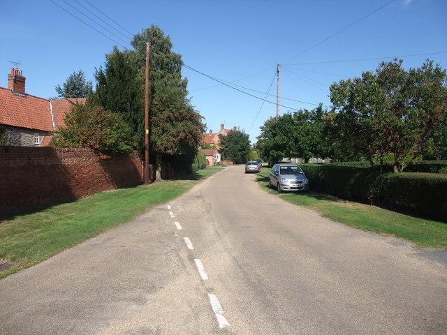 Low Road, Besthorpe