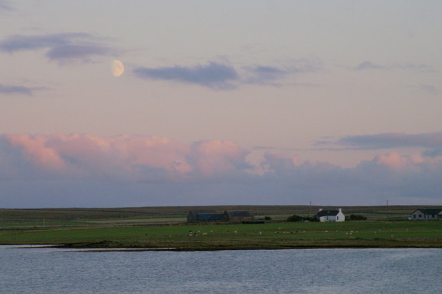 Moonrise over Ordale, Baltasound
