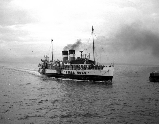 PS 'Waverley', Starboard bow