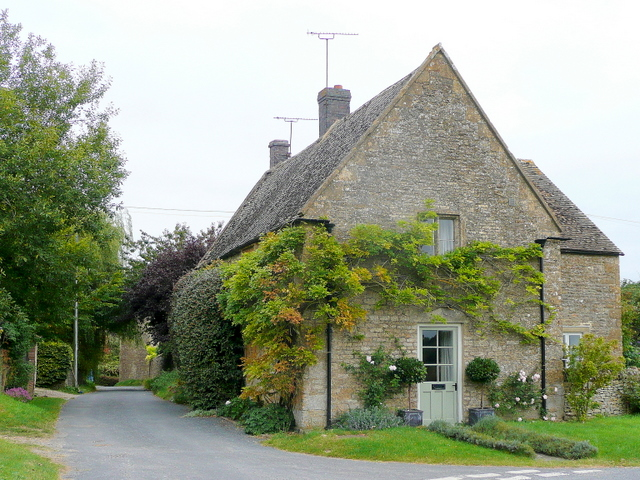 Cotswold house with Wisteria