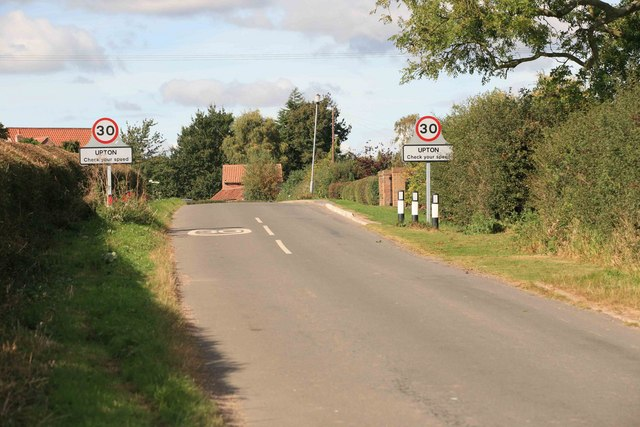Upton approach to the village