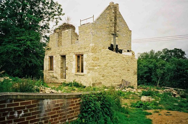 Rebuilding of cottage at Wildmoorway Lower Lock, Thames & Severn Canal