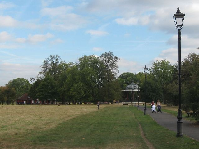 Victorian style lamp posts on the way to Clapham Common Bandstand