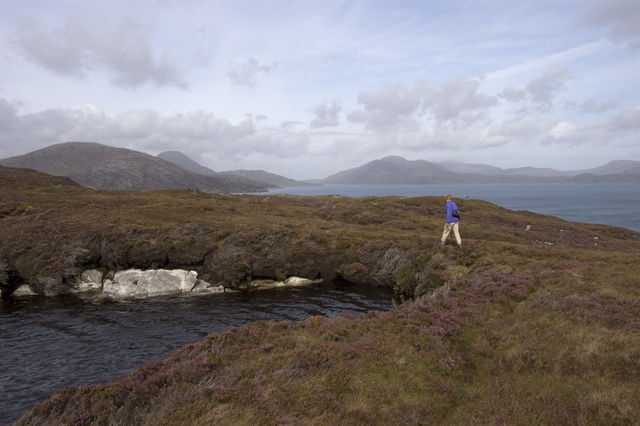 Footpath and tiny lochan on the Scalpay trail