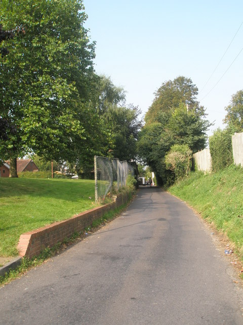 Mid section of Little Shore Lane