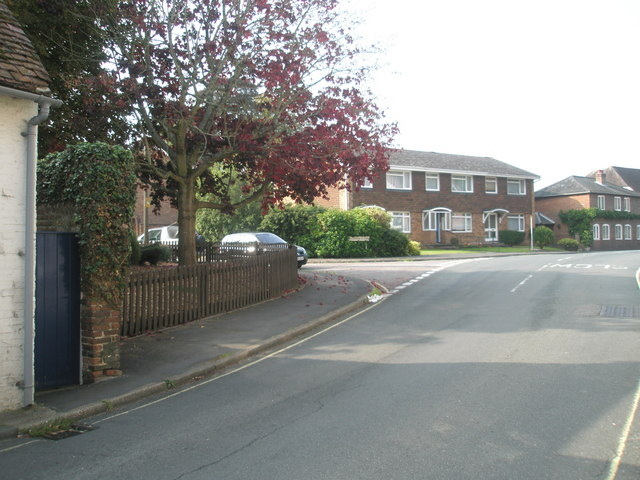Approaching the junction of Bank Street and Malvern Close